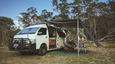 Bus 4×4 Campervan Conversion