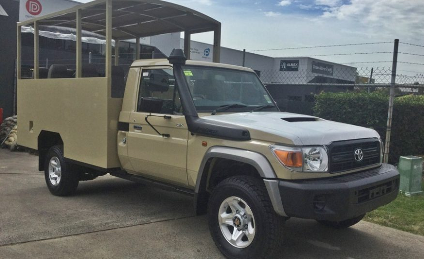 Bus 4×4 Conversion of Landcruiser