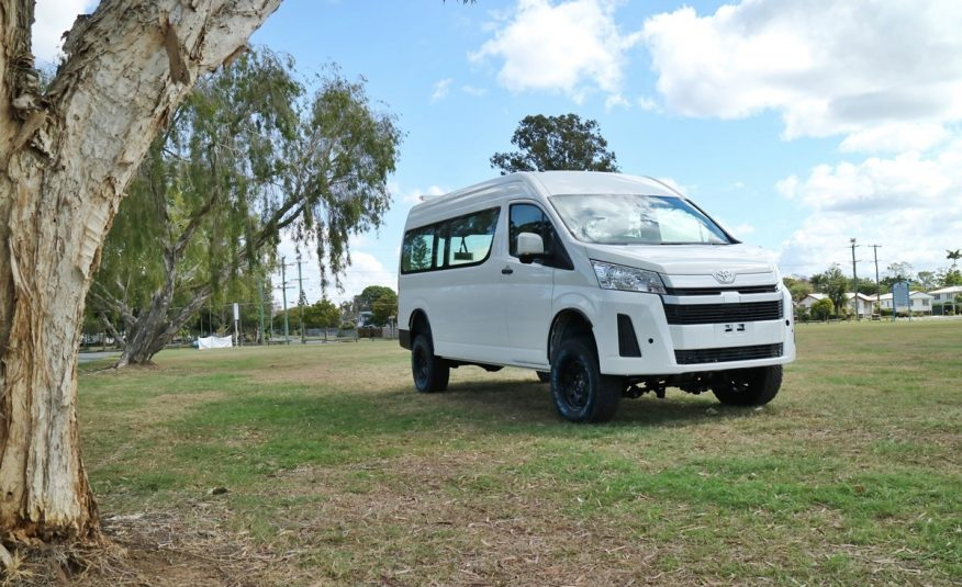 Bus 4×4 Conversion of Hiace Commuter