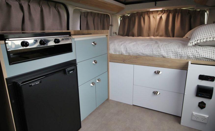 Bus 4×4 Campervan Conversion of Hiace