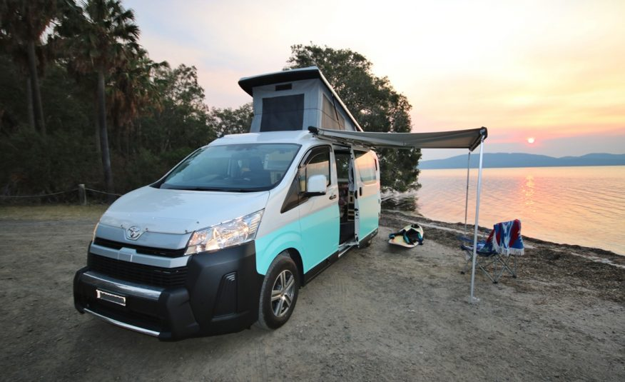 Bus 4×4 Campervan Conversion of Hiace