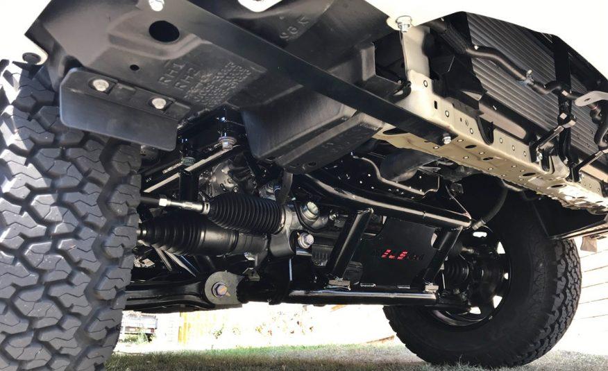 Bus 4×4 Conversion of SLWB Hiace