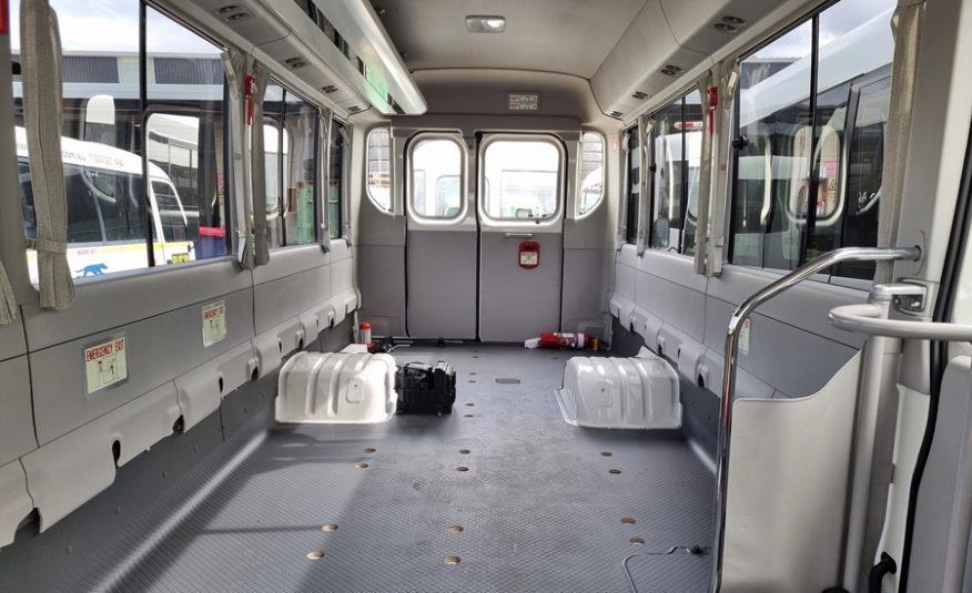 Bus 4×4 Motorhome Conversion of Coaster
